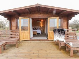 Stag Lodge - Kent & Sussex - 1055447 - thumbnail photo 4
