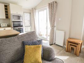 Daisy Lodge - Whitby & North Yorkshire - 1055603 - thumbnail photo 4