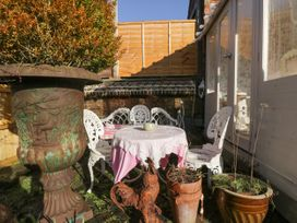 2 Jubilee Cottages - Cotswolds - 1055915 - thumbnail photo 21