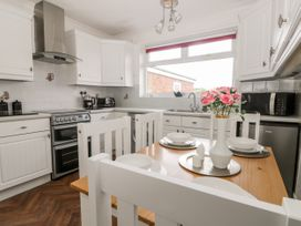 Mundare Cottage - Whitby & North Yorkshire - 1055930 - thumbnail photo 6