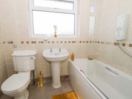 Mundare Cottage - Whitby & North Yorkshire - 1055930 - thumbnail photo 13