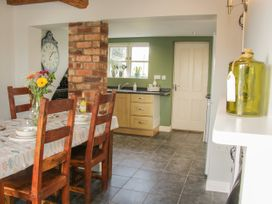 1 Royal Oak Cottages - Shropshire - 1056008 - thumbnail photo 15