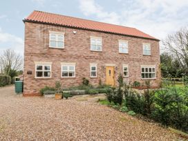 4 bedroom Cottage for rent in Selby
