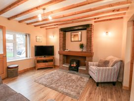 Barnaby Cottage - Whitby & North Yorkshire - 1056106 - thumbnail photo 4