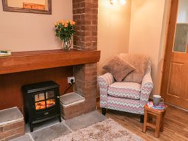 Barnaby Cottage - Whitby & North Yorkshire - 1056106 - thumbnail photo 6