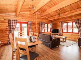 Rowan Lodge - Lincolnshire - 1056286 - thumbnail photo 11