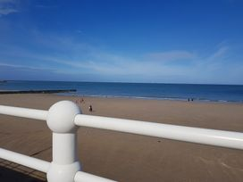 Beach House - North Wales - 1056405 - thumbnail photo 29