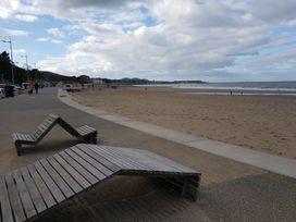 Beach House - North Wales - 1056405 - thumbnail photo 34