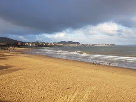 Beach House - North Wales - 1056405 - thumbnail photo 35