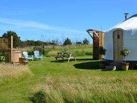 Daisy @ Headland Escape - South Wales - 1056624 - thumbnail photo 1