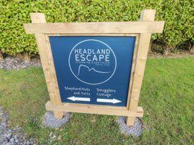 Daisy @ Headland Escape - South Wales - 1056624 - thumbnail photo 22