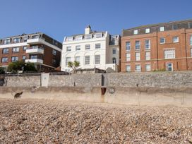 Seaside Apartment - Dorset - 1056647 - thumbnail photo 2