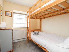 Seaside Apartment - Dorset - 1056647 - thumbnail photo 15