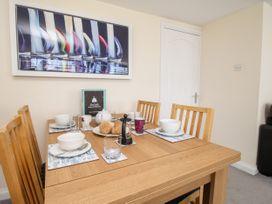 Seaside Apartment - Dorset - 1056647 - thumbnail photo 6