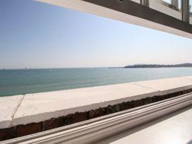 Seaside Apartment - Dorset - 1056647 - thumbnail photo 10