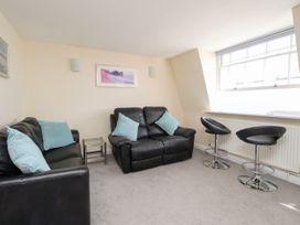 Seaside Apartment - Dorset - 1056647 - thumbnail photo 5
