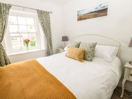 Curlew Cottage, 2 Fenkle Street - Northumberland - 1056704 - thumbnail photo 12
