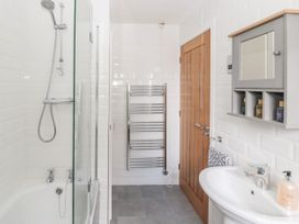Curlew Cottage, 2 Fenkle Street - Northumberland - 1056704 - thumbnail photo 24