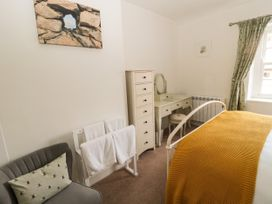 Curlew Cottage, 2 Fenkle Street - Northumberland - 1056704 - thumbnail photo 15