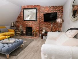 The Loft - Kent & Sussex - 1056873 - thumbnail photo 3