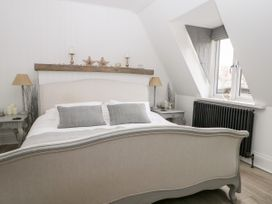 The Loft - Kent & Sussex - 1056873 - thumbnail photo 14