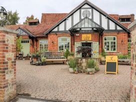 The Loft - Kent & Sussex - 1056873 - thumbnail photo 24