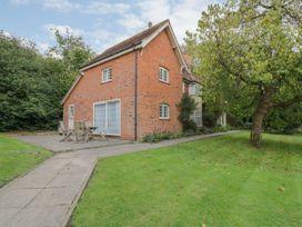 5 bedroom Cottage for rent in Halstead