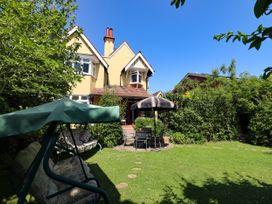 Yellow House on the Corner - Suffolk & Essex - 1056959 - thumbnail photo 3
