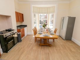 4 Normanby Terrace - North Yorkshire (incl. Whitby) - 1057076 - thumbnail photo 10