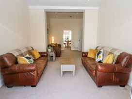 4 Normanby Terrace - North Yorkshire (incl. Whitby) - 1057076 - thumbnail photo 6