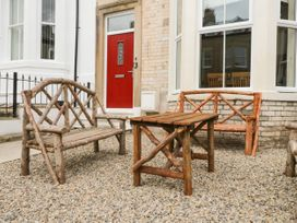 4 Normanby Terrace - North Yorkshire (incl. Whitby) - 1057076 - thumbnail photo 2