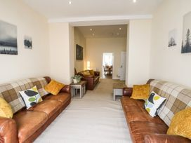 4 Normanby Terrace - North Yorkshire (incl. Whitby) - 1057076 - thumbnail photo 3