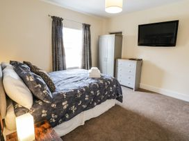 4 Normanby Terrace - North Yorkshire (incl. Whitby) - 1057076 - thumbnail photo 13