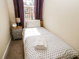 4 Normanby Terrace - North Yorkshire (incl. Whitby) - 1057076 - thumbnail photo 23