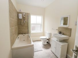 4 Normanby Terrace - North Yorkshire (incl. Whitby) - 1057076 - thumbnail photo 25