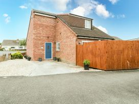8A Rosewood Avenue - Somerset & Wiltshire - 1057153 - thumbnail photo 1
