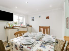 8A Rosewood Avenue - Somerset & Wiltshire - 1057153 - thumbnail photo 8