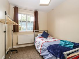 8A Rosewood Avenue - Somerset & Wiltshire - 1057153 - thumbnail photo 18