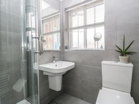 8A Rosewood Avenue - Somerset & Wiltshire - 1057153 - thumbnail photo 20