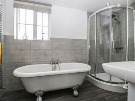 8A Rosewood Avenue - Somerset & Wiltshire - 1057153 - thumbnail photo 22