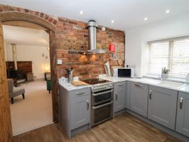The Coach House - Herefordshire - 1057189 - thumbnail photo 9