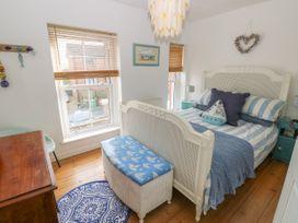 2 Linden Terrace - Isle of Wight & Hampshire - 1057222 - thumbnail photo 14