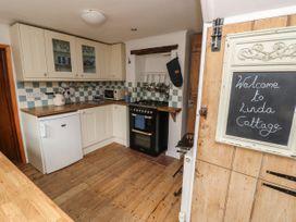 Linda Cottage - Isle of Wight & Hampshire - 1057228 - thumbnail photo 10