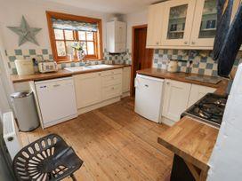 Linda Cottage - Isle of Wight & Hampshire - 1057228 - thumbnail photo 11