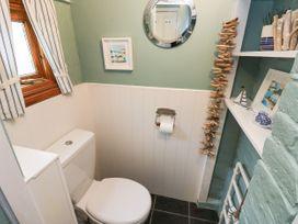 Linda Cottage - Isle of Wight & Hampshire - 1057228 - thumbnail photo 20