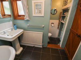 Linda Cottage - Isle of Wight & Hampshire - 1057228 - thumbnail photo 19