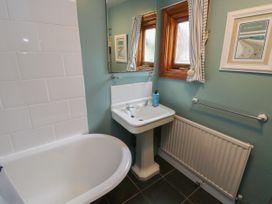 Linda Cottage - Isle of Wight & Hampshire - 1057228 - thumbnail photo 18