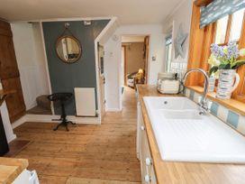 Linda Cottage - Isle of Wight & Hampshire - 1057228 - thumbnail photo 9