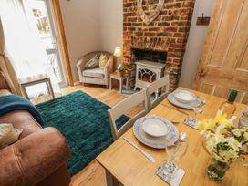 Linda Cottage - Isle of Wight & Hampshire - 1057228 - thumbnail photo 7