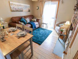 Linda Cottage - Isle of Wight & Hampshire - 1057228 - thumbnail photo 8